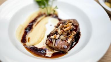 Smag en 3-retters menu med sydamerikansk oksefilet i WestMarket hos fabelagtige Five Seasons