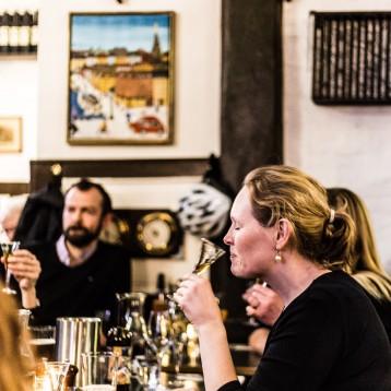 Kom i snapseskole på Christianshavns Færgecafé