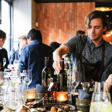 Hummus og designermøbler: Madklubben åbner kæmpe arabisk restaurant i København K