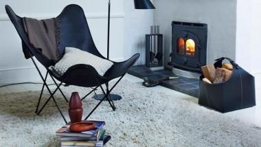 Det kendte stilikon Flagermusstolen i ægte læder. Vælg mellem 3 lækre farver – begrænset antal til salg og FRI FRAGT.