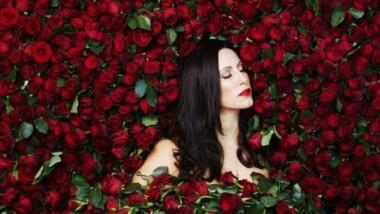 Oplev skønne Lisa Nilsson i Tivoli med forestillingen: Kvinnan Som Är Jag