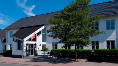 Kroophold på Hjallerup Kro i Nordjylland inkl. lækker aftenbuffet og morgenbuffet