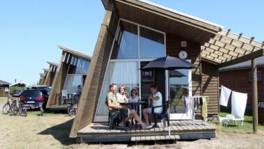 Tag på en skøn hverdagsferie i hytte el. mobile home for op til 5 personer hos Dancamps Nordsø
